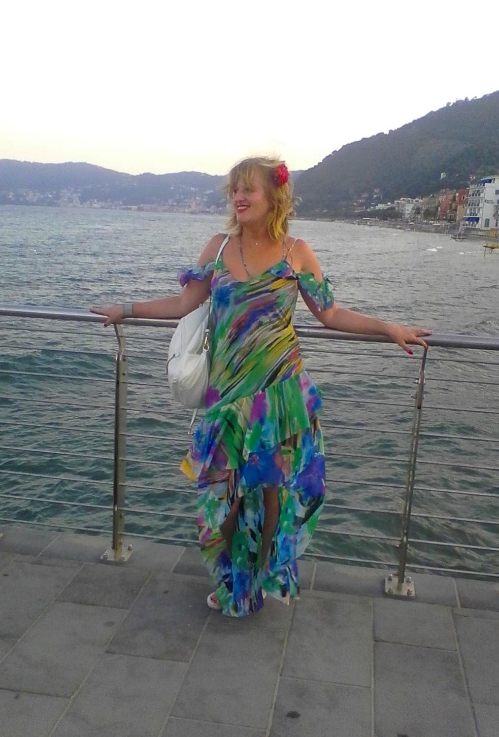 """I colori e la loro (im)perfezione…partendo dalla """"Festa dei Colori"""" per arrivare ad un abito variopinto, un mini giro tra le sfumature dell'estate   😎🌞"""